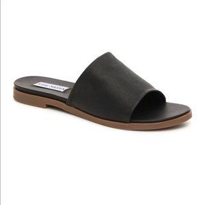 NWT Steve Madden Karolyn Slides / Sandals